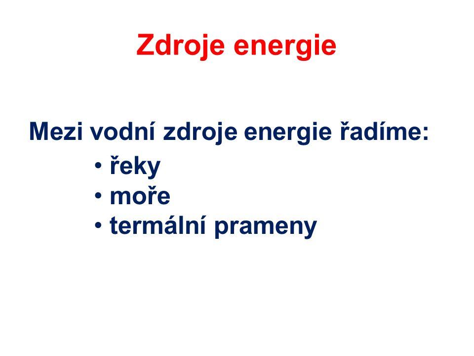 Klady a zápory vodních zdrojů energie Výhody: 1.Díky rychlému zprovoznění mohou vodní elektrárny sloužit jako okamžitý zdroj energie v době energetických špiček.