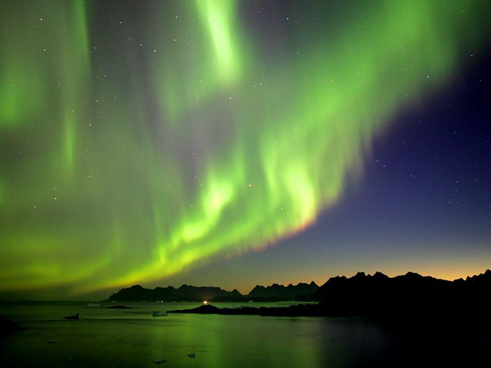 Polární noc nastává za polárním kruhem a znamená to, že po dobu jednoho dne nevystoupí Slunce nad horizont. Na severní polokouli je to při prosincovém