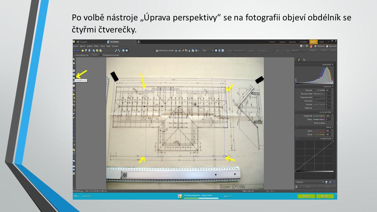 """Po volbě nástroje """"Úprava perspektivy se na fotografii objeví obdélník se čtyřmi čtverečky."""