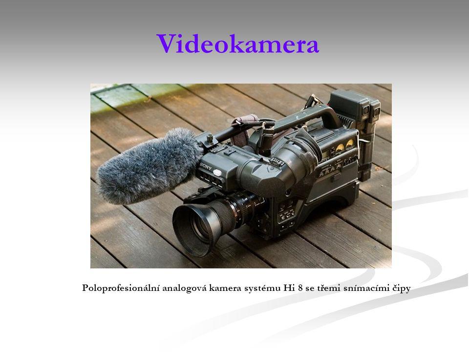 Videokamera Poloprofesionální analogová kamera systému Hi 8 se třemi snímacími čipy