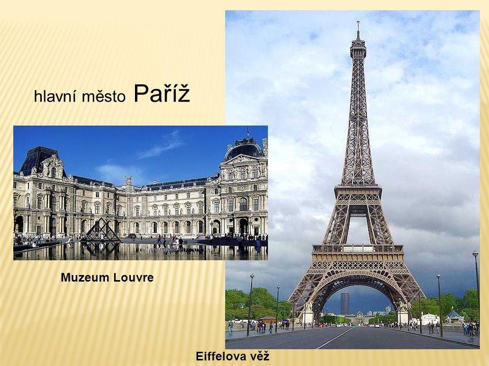 Muzeum Louvre Eiffelova věž hlavní město Paříž
