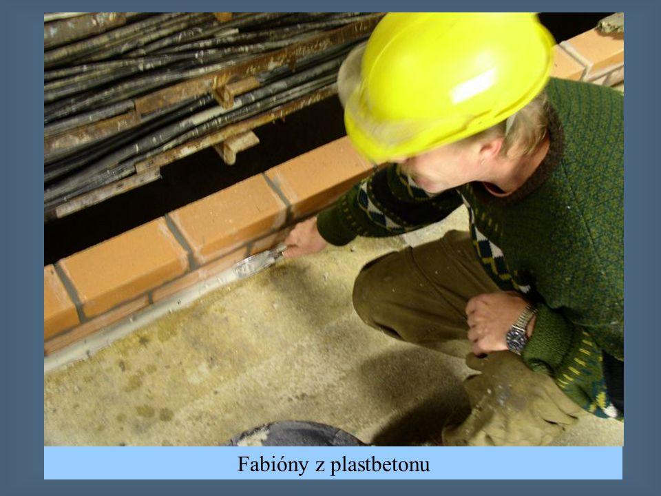 Tvorba fabiónů mezi podlahou s svislou kcí.