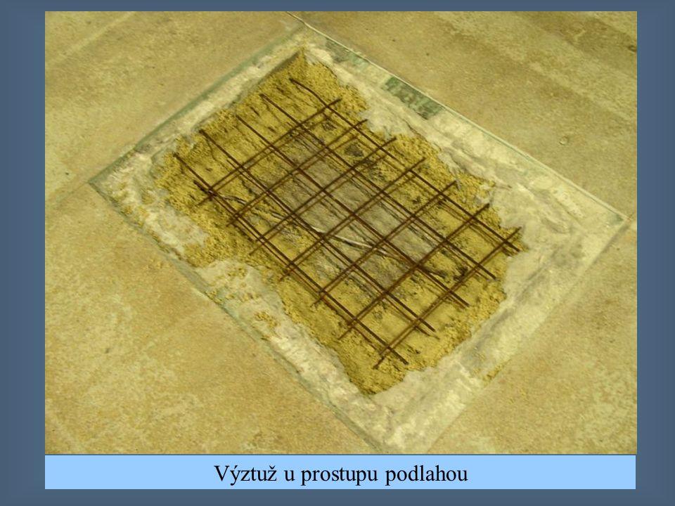 Vyplnění vybourané podlahy plastbetonem