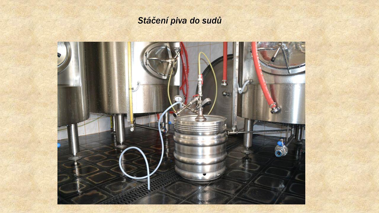 Stáčení piva do sudů