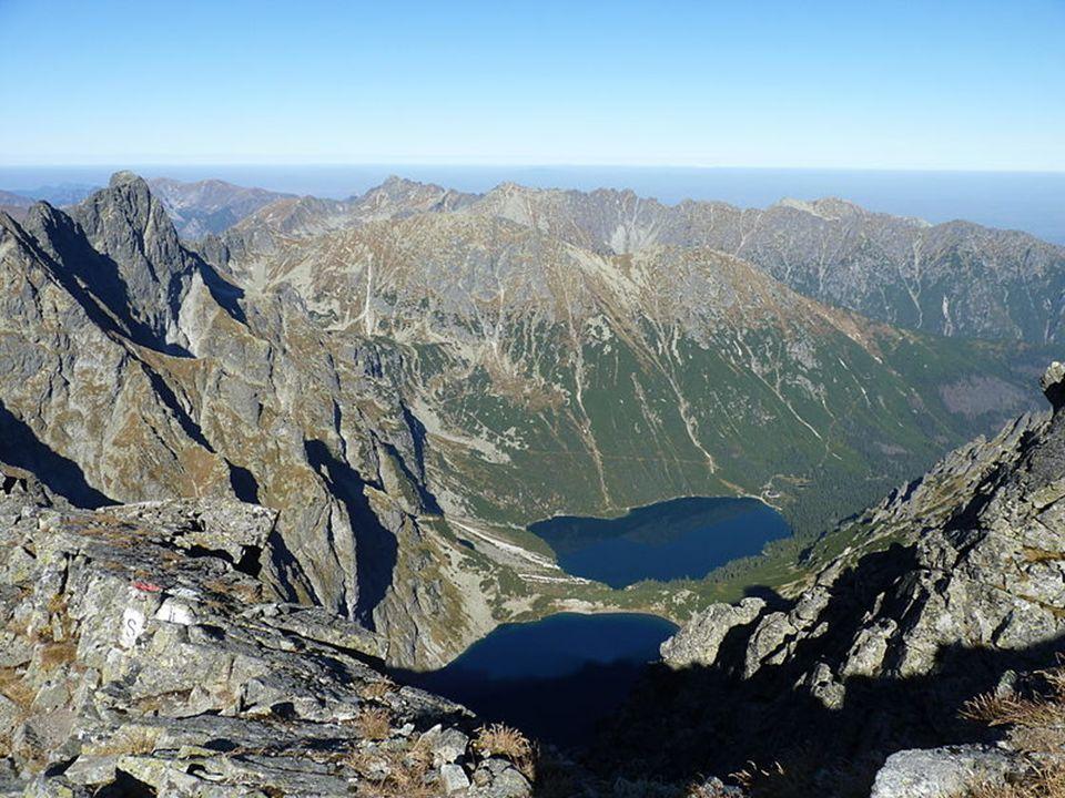 Tatry Vysoké Tatry je nejvyšší pohoří na Slovensku i v Polsku.SlovenskuPolsku Na jihu hraničí s Podtatranskou kotlinou.Podtatranskou kotlinou Mají rozlohu 341 km² (260 km² na Slovensku a 81 km² v Polsku).km² Délka Vysokých Tater je zhruba 26 km a šířka 17 km.