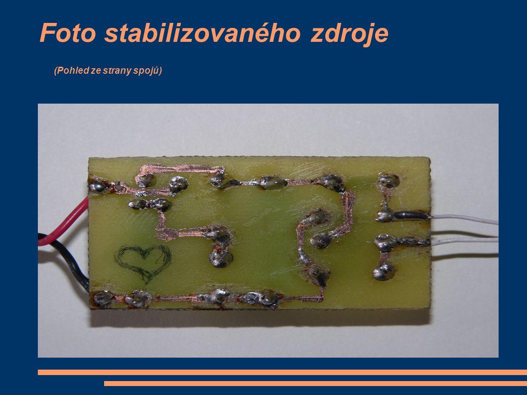 Foto stabilizovaného zdroje (Pohled ze strany spojů)