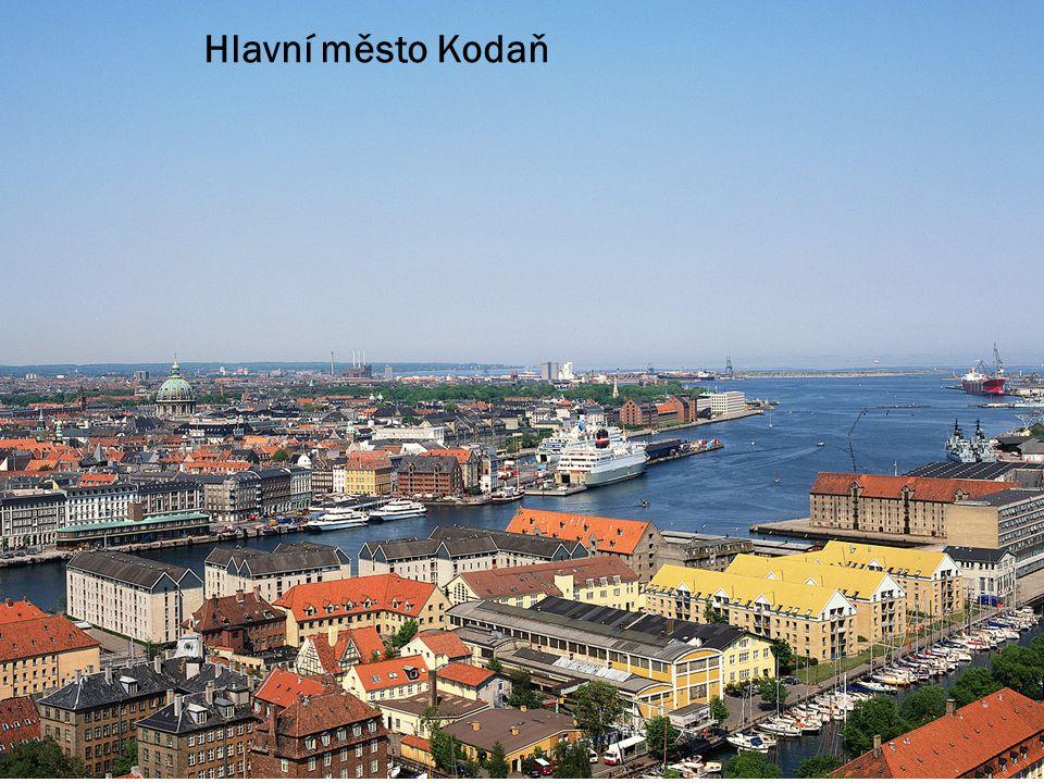 Most Oresund spojující Dánsko a Švédsko Dánské Faerské ostrovy vodopád v Dánsku Hlavní město Kodaň