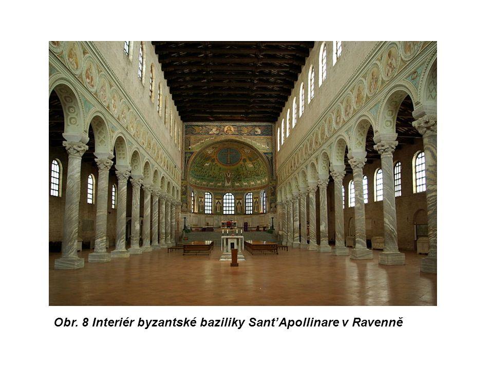 Obr. 8 Interiér byzantské baziliky Sant'Apollinare v Ravenně