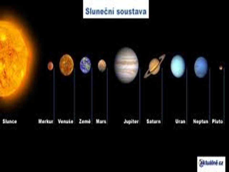 Ro č ní období Šest let pozorování vesmírného dalekohledu naznačují, že v atmosféře planety dochází ke střídání ročních období podobně jako na Zemi.