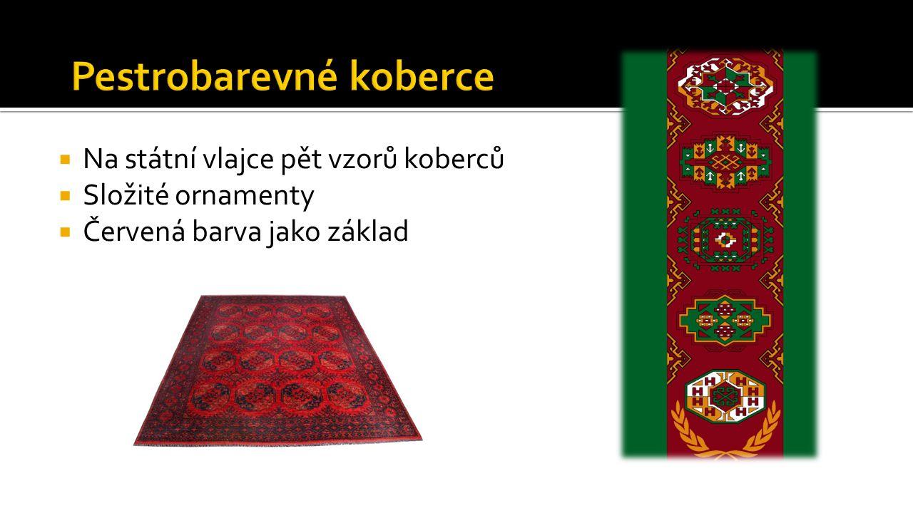  Na státní vlajce pět vzorů koberců  Složité ornamenty  Červená barva jako základ