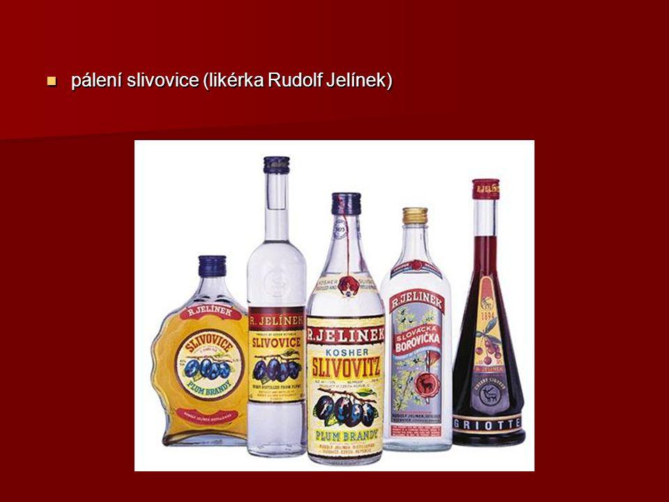 pálení slivovice (likérka Rudolf Jelínek) pálení slivovice (likérka Rudolf Jelínek)