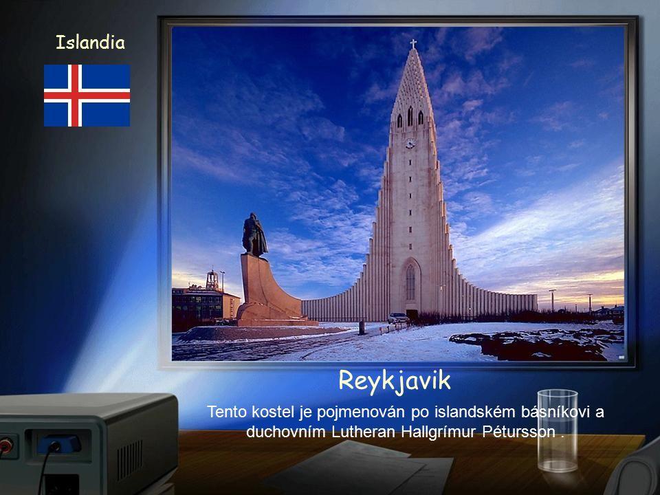 Islandia Reykjavik Budova parlamentu a katedrála z 18. stol.
