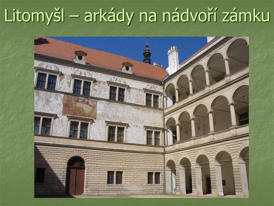 Litomyšl – arkády na nádvoří zámku