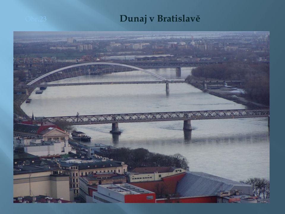 Obr.23 Dunaj v Bratislavě