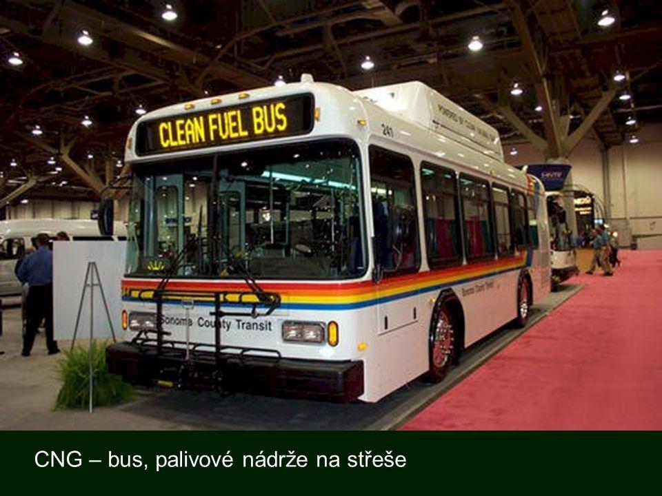 CNG – bus, palivové nádrže na střeše