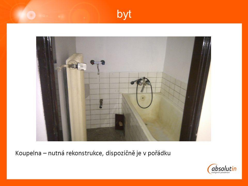 byt Koupelna – nutná rekonstrukce, dispozičně je v pořádku