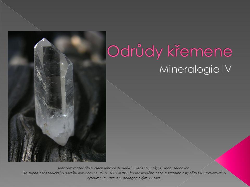  Polodrahokamy – výroba šperků  Tromlované kameny – speciálně upravené kameny do zakulacených tvarů, technika tromlování napodobuje např.
