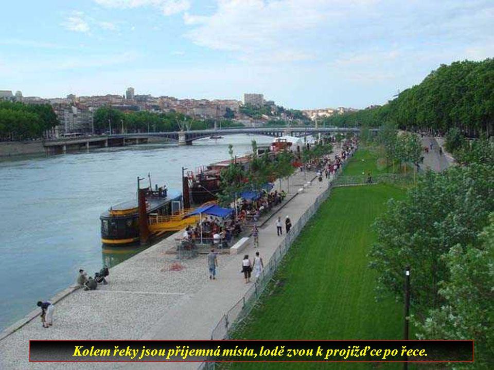 Lyon je po Paříži druhé největší město Francie.