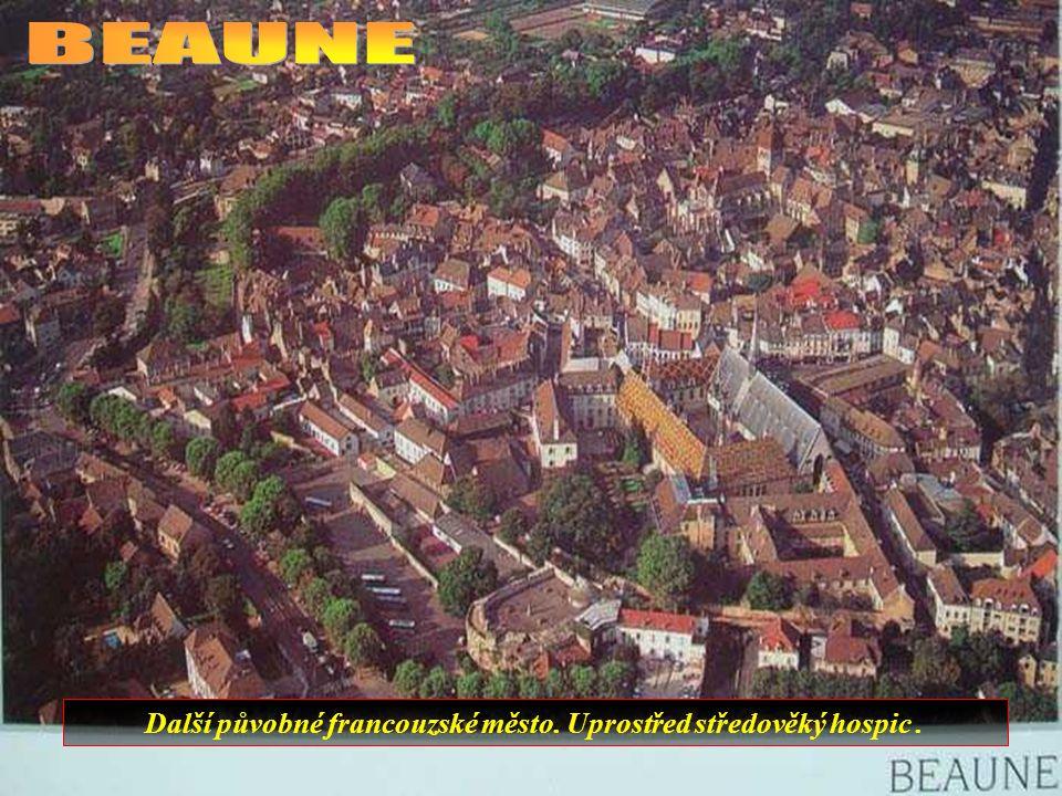 Nejstarší římský amfiteátr ve Francii..