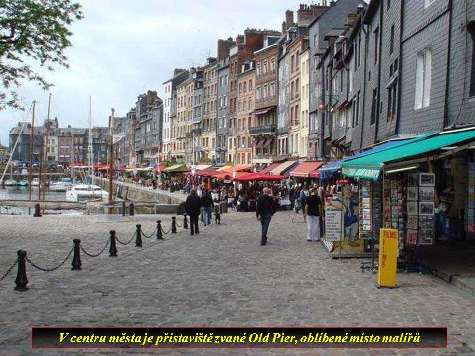 V nejstarší části si město stále zachovává svůj středověký chrakter.