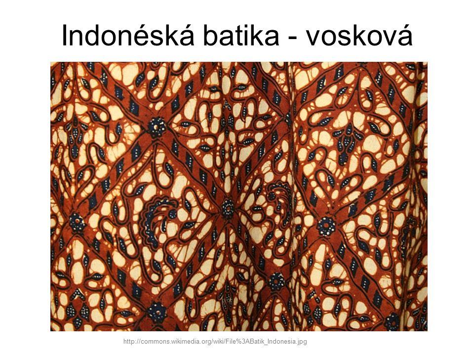 Ukázky vázané (vyvazované) batiky http://commons.wikimedia.org/wiki/File%3AAbbindebatik_im_Farbbad.jpg