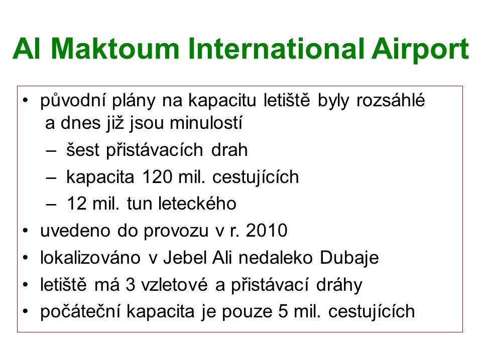 Al Maktoum International Airport původní plány na kapacitu letiště byly rozsáhlé a dnes již jsou minulostí – šest přistávacích drah – kapacita 120 mil