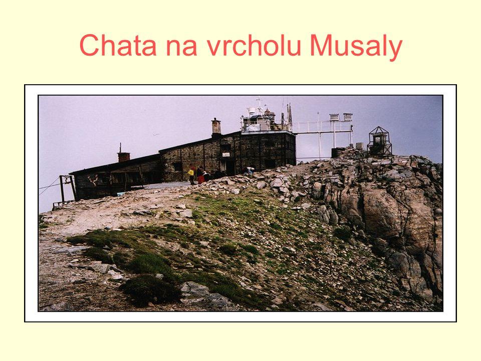 Chata na vrcholu Musaly