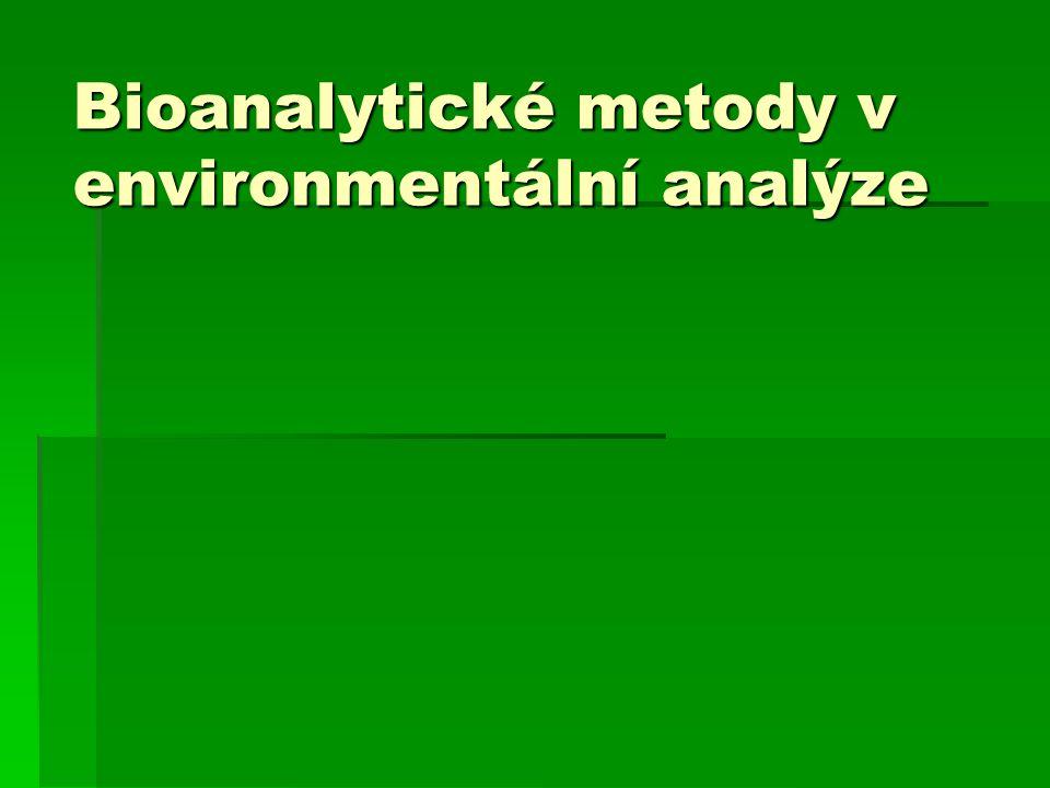 Imobilizované enzymy v analytice  Biosenzory  způsoby upevnění enzymu na elektrodu  upevnění překrytím dialyzační membránou:  rozpuštěný nebo imobilizovaný enzym je v blízkosti elektrody udržován tak, se překryje membránou (celofánem)  stabilní vydrží asi jeden týden  fyzikální zachycení na povrchu:  na nylonovou či silonovou síťku se rozestře gel s enzymem a nechá se zpolymerovat  síťka se pak mechanicky (gumičkou) fixuje na elektrodu  síťky se dají snadno měnit  přímá polymerace na povrchu elektrody  gel s enzymem zpolymeruje přímo na elektrodě  elektrodu pak ale není možno používat pro jiná měření