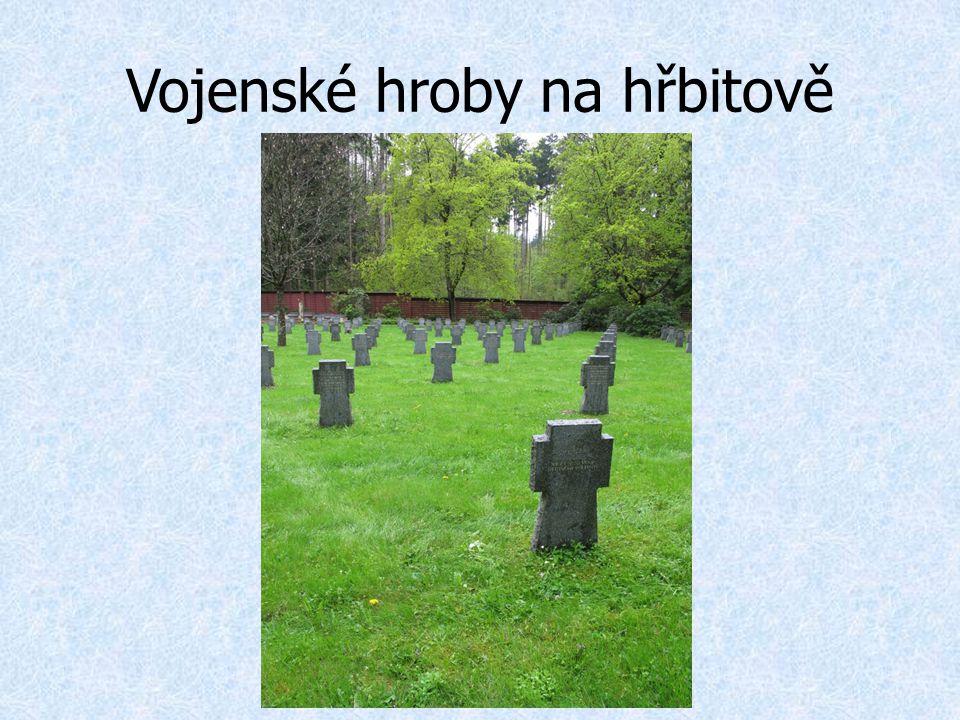 Vojenské hroby na hřbitově