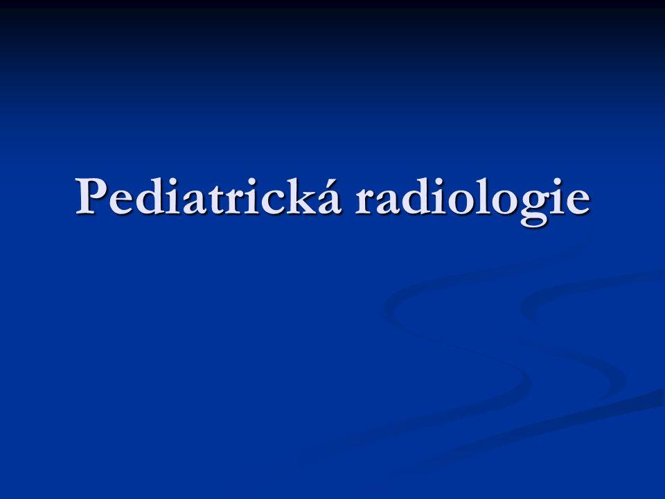 Respirační trakt rtg- mléčné zastínění plicní tkáně s drobnou granulací, se vzdušnou náplní v bronchiálním větvení peribronchiálně rtg- mléčné zastínění plicní tkáně s drobnou granulací, se vzdušnou náplní v bronchiálním větvení peribronchiálně centrálně atelektázy, retikulogranulární infiltráty centrálně atelektázy, retikulogranulární infiltráty KO: funkční poruch s alveolární hypoventilací, hypoxií, acidozou, porucha renálních funkcí, krvácení do mozkových komor KO: funkční poruch s alveolární hypoventilací, hypoxií, acidozou, porucha renálních funkcí, krvácení do mozkových komor