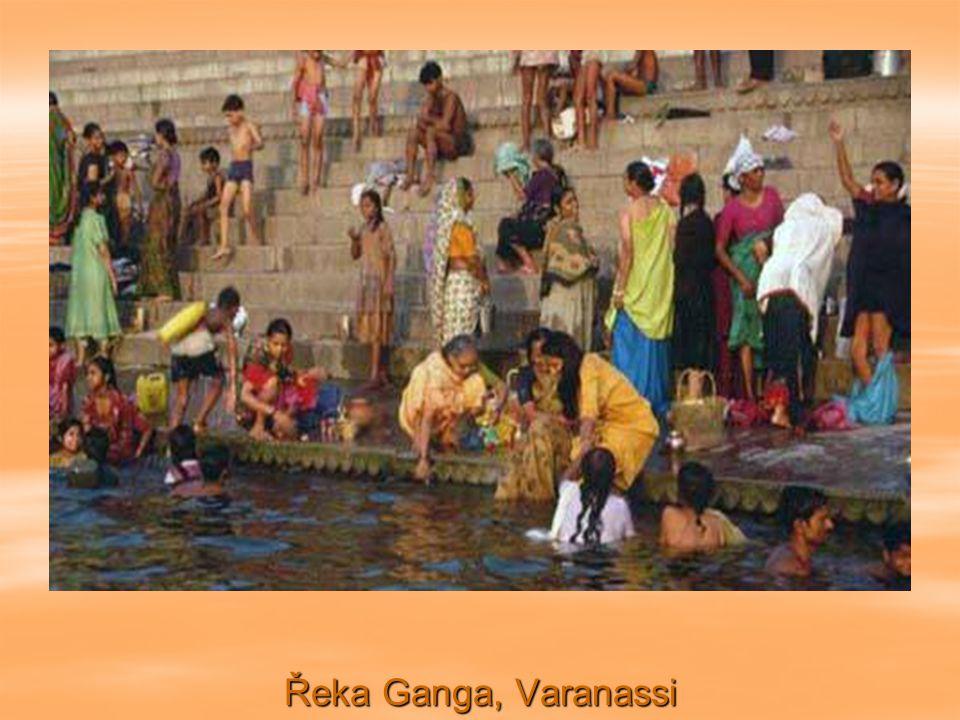 Obytná loď, řeka Indus