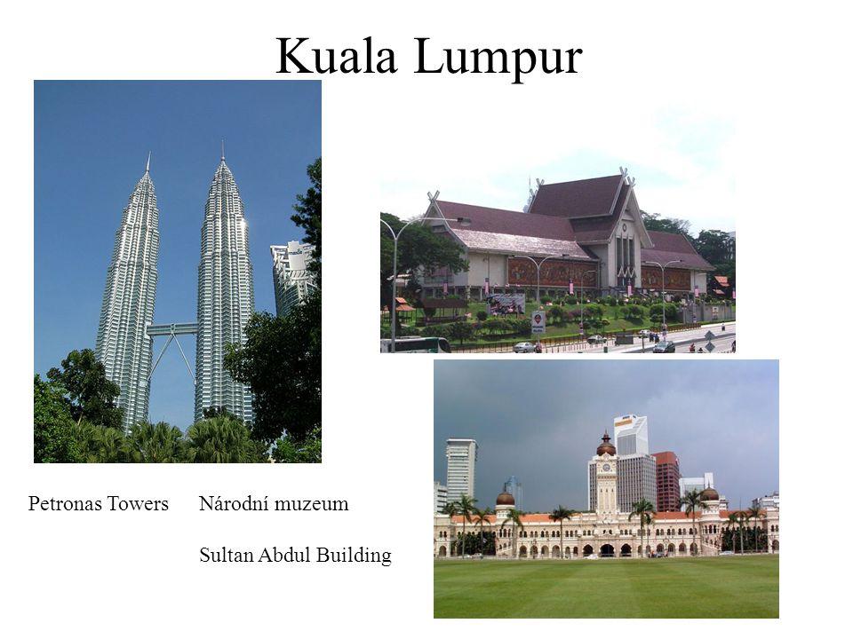 Kuala Lumpur Petronas TowersNárodní muzeum Sultan Abdul Building