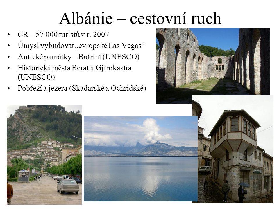 """Albánie – cestovní ruch CR – 57 000 turistů v r. 2007 Úmysl vybudovat """"evropské Las Vegas"""" Antické památky – Butrint (UNESCO) Historická města Berat a"""