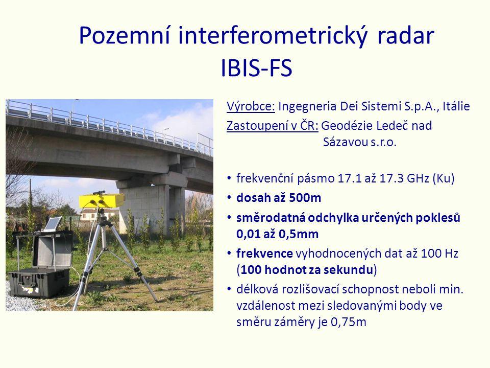 Ověření přesnosti určování posunů Metodou komparace = porovnáním s geodetickým určením změn délky (měření dvěma nezávislými metodami v nepříznivých polních podmínkách): • radarové interferometrické měření změn délky testovací základny 39 m dlouhé • geodetické určení délky téže testovací základny dálkoměrem totální stanice SOKKIA NET1AX • speciální mikrometrické zařízení k vynucení posunů o známých velikostech • cíleno na kovový koutový odražeč pro radar a skleněný odrazný hranol pro dálkoměr • oba pevně spojeny a společně připevněny k mikrometrickému šroubu • rozlišovací schopnost mikrometrického šroubu je 0.01 mm