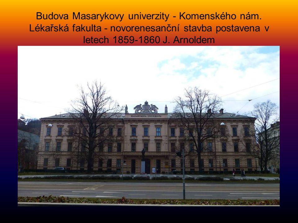 JANÁČKOVA AKADEMIE MUZICKÝCH UMĚN Í- Komenského náměstí bývalá budova německého gymnázia, kde nyní sídlí Janáčkova akademie múzických umění. Pamětní d