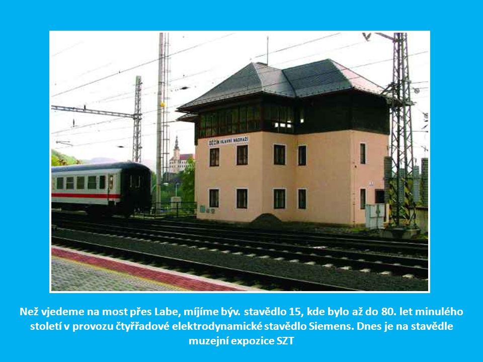 Nádražní budova Severní státní dráhy Praha – Drážďany v Podmoklech (dnes Děčín hl. nádr.), odkud vycházela druhá hlavní trasa České severní dráhy do R