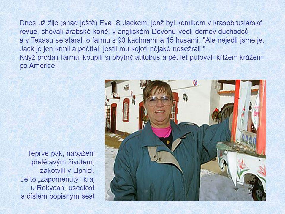 V kostýmech pro vystoupení Holiday on Ice v Praze