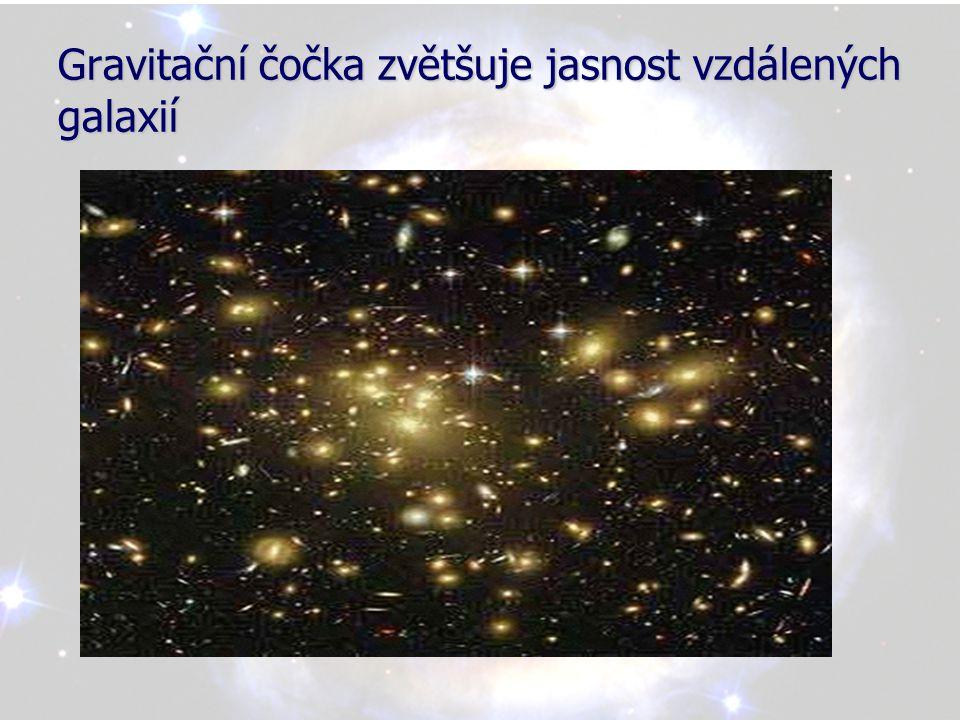 Snímek z ledna 1996 galaxie v souhvězdí Panny, diskovitý útvar prachu a plynu padá do černé díry, jejíž hmotnost je milardkrát větší než sluneční soustava