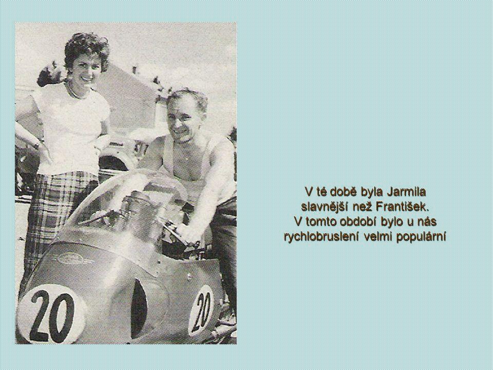 Svatební foto manželů Šťastných Na podzim 1955 se seznámila s Františkem Šťastným, který měl rychlobruslení jako doplňkový sport v zimní sezóně a neoč