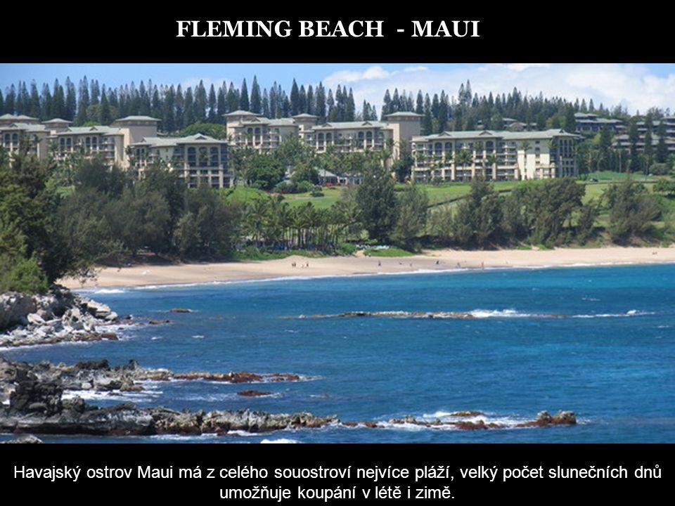 KANAPALI BEACH - MAUI Zlaté písky, kam až oko dohlédne.. Modrý oceán s ostrovy Lana'i a Moloka'i v dálce.Pastelové barvy nebe….