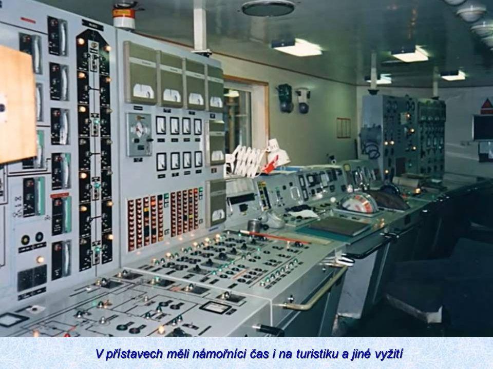V přístavech měli námořníci čas i na turistiku a jiné vyžití V přístavech měli námořníci čas i na turistiku a jiné vyžití