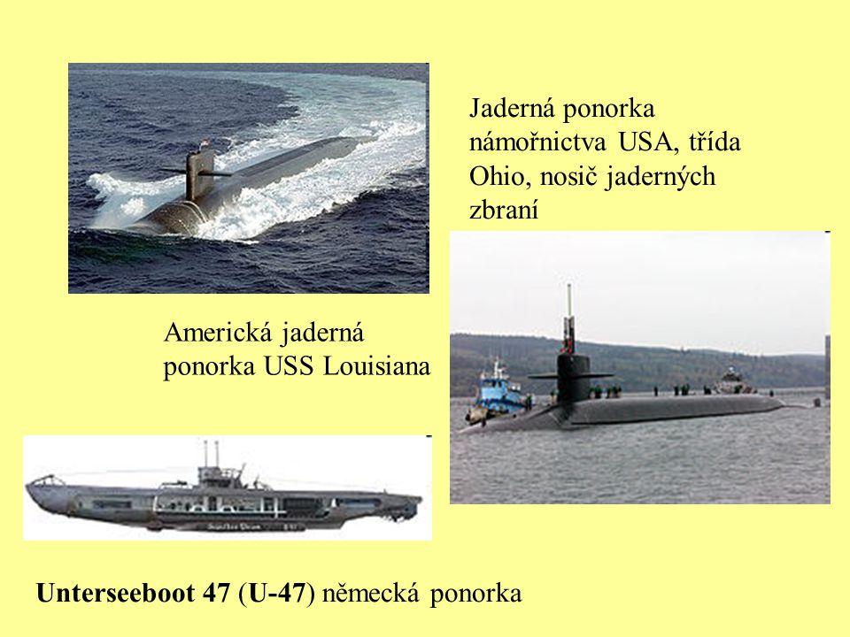 Poklop ponorky je v hloubce 40 m pod hladinou moře.