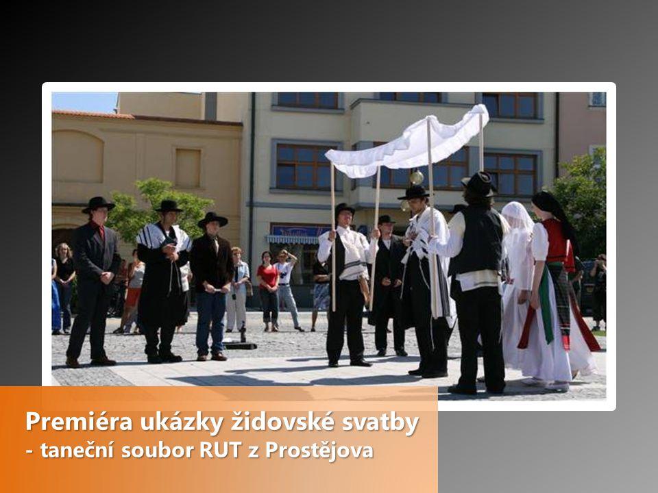 Premiéra ukázky židovské svatby - taneční soubor RUT z Prostějova