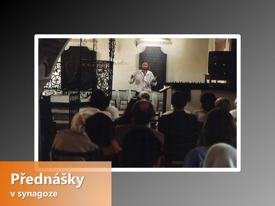Přednášky v synagoze