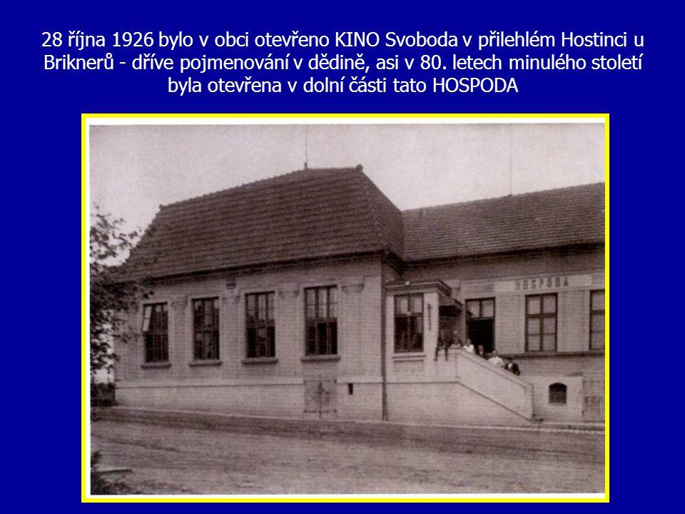 Budova na Bosonožském náměstí, kde bývalo v minulých letech kino Svoboda s hostincem… v současné době je v této budově obchod s textilem, obuví ……..