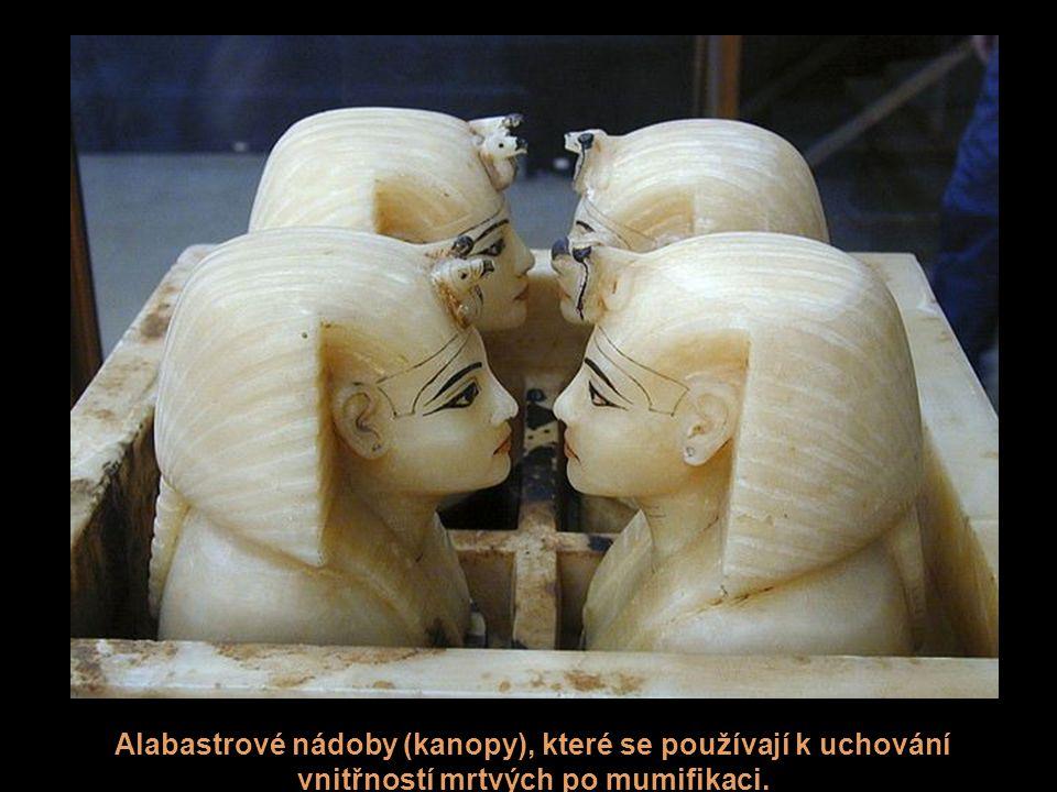 Loď ze slonové kosti