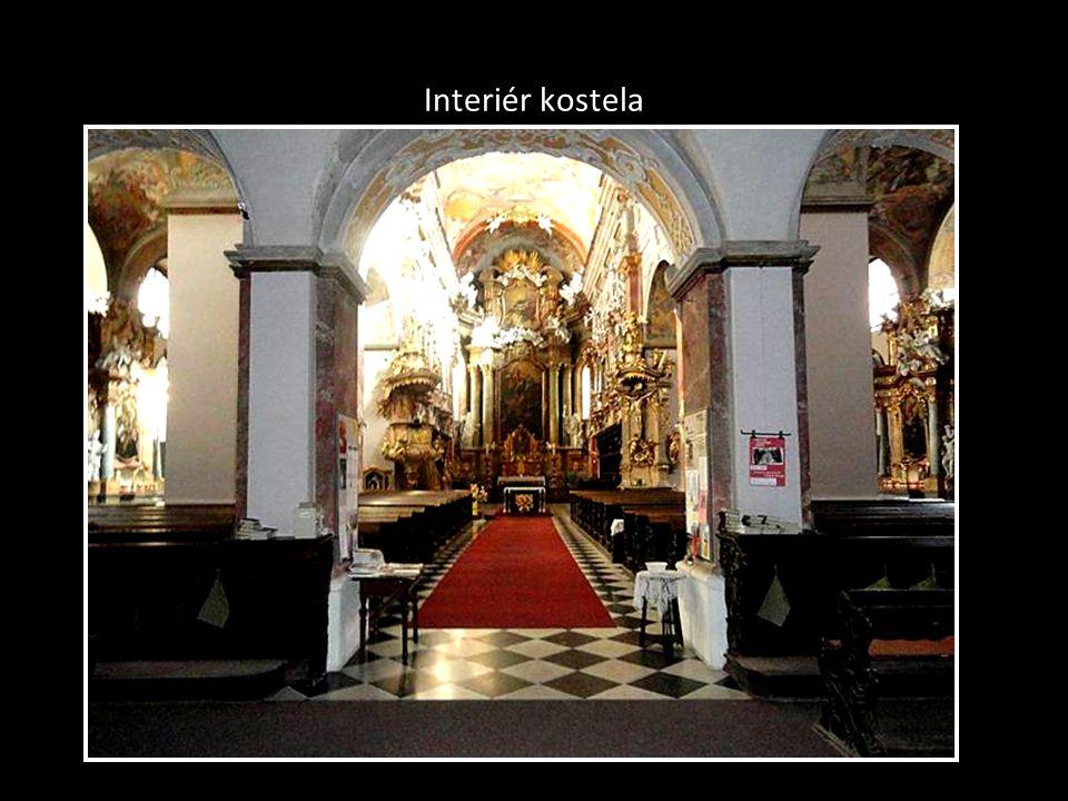 Jezuitský kostel Nanebevzetí Panny Marie, Jezuitská ulice
