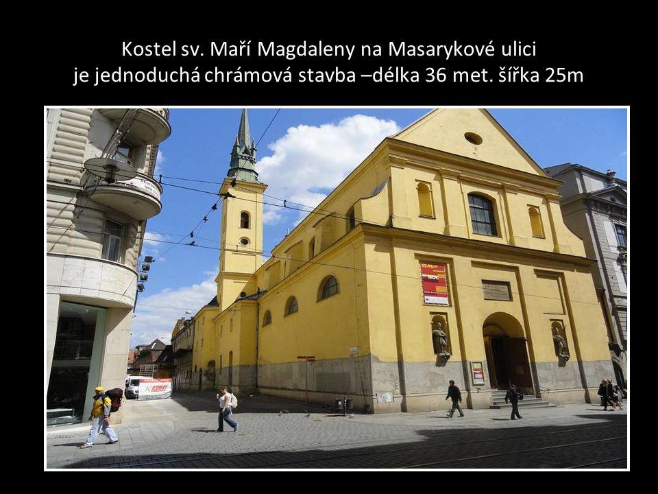 Pohled na věz kostela Neposkvrněného početí Panny Marie a na Křenovou ulici