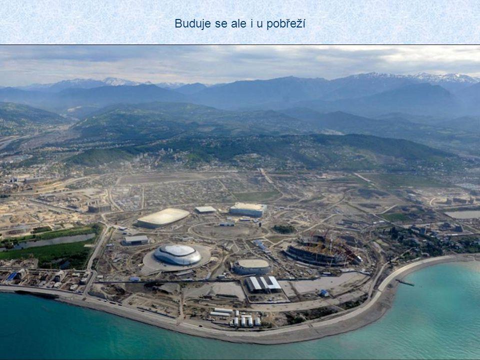 Pro olympijské hry byla objednána výstavba nejdelší trojlanové dráhy světa Dolní stanice je u nového nádraží v Krásné Poljaně v nadmořské výšce 600 m