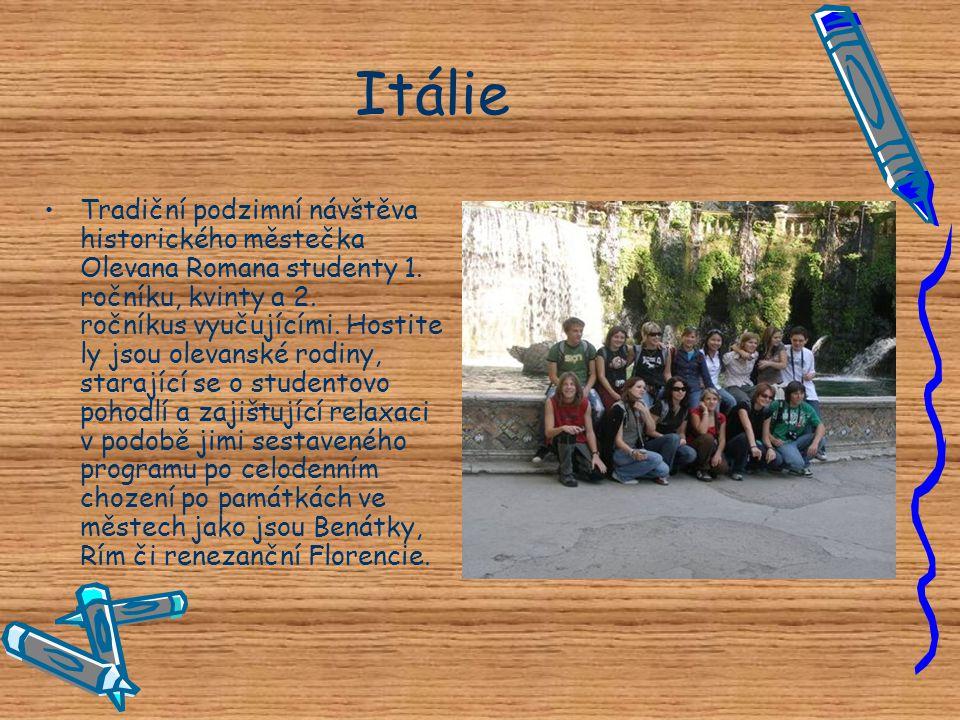 Itálie •T•Tradiční podzimní návštěva historického městečka Olevana Romana studenty 1. ročníku, kvinty a 2. ročníkus vyučujícími. Hostite ly jsou oleva